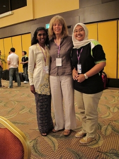 Uta Passow teaching teachers at a conference in Malaysia